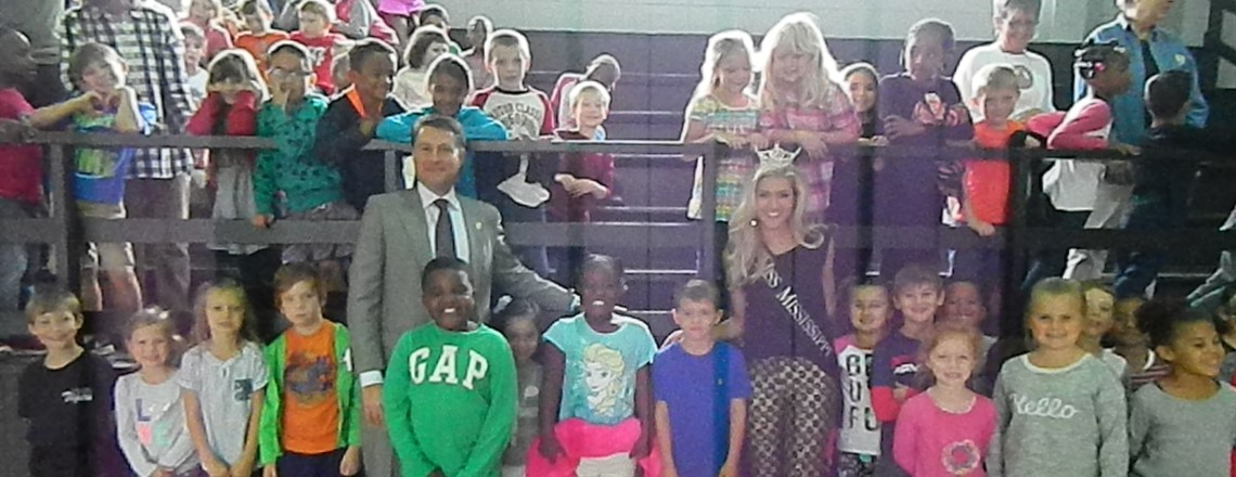 Miss Mississippi and Representative Jody Steverson visit with students at RES!