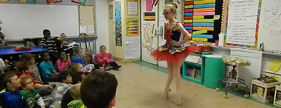 Ballerina Katie Beth Grisham showing a QUEST class some moves!