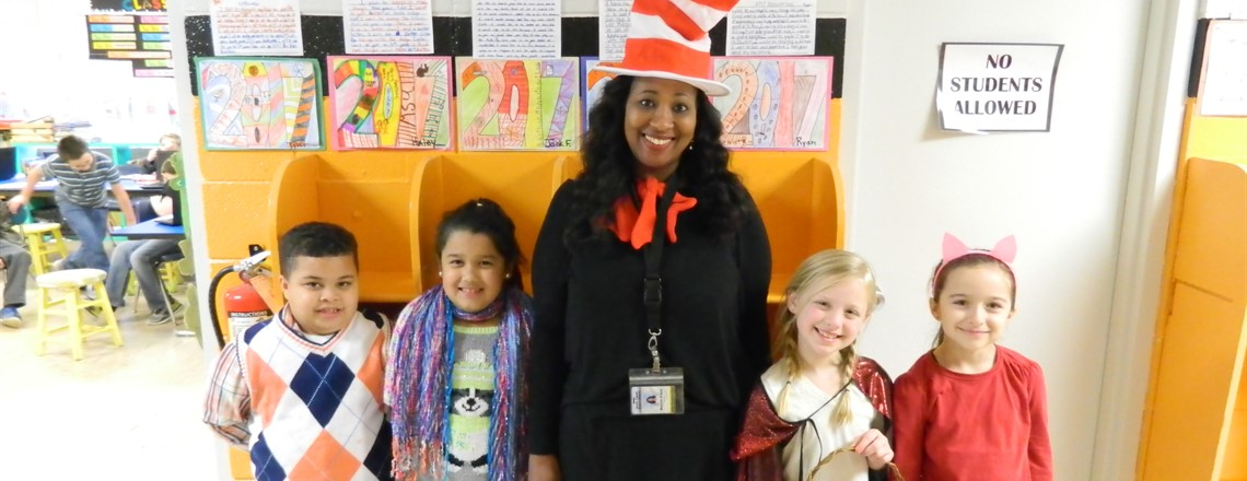 Ms. Evans' class dresses up for Read Across America Day!